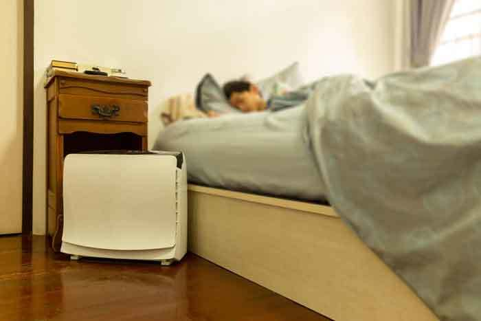 How will a humidifier alleviate my snoring?
